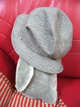 秋帽子、うしろ
