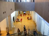 国立新美術館、イスがすごい