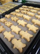 人型クッキーななめ