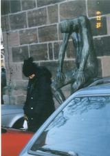 2001独、謎の銅像と謎の私