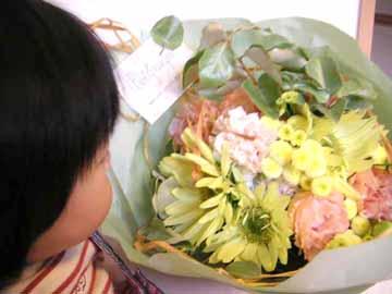 母になって初めての母の日の花束