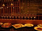 六本木ワイン、ずらりグラス