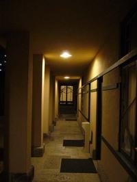 FLW:渡り廊下
